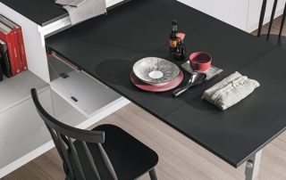 έπιπλα κουζίνας και τραπέζι