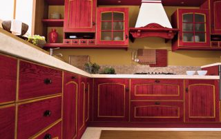 κουζίνα κλασική με καμινάδα ξύλινη