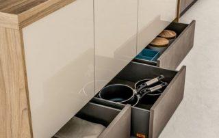 βαθιά συρτάρια κουζίνας για συσκευές